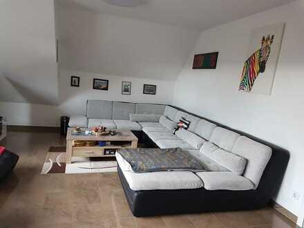 Über den Dächern Rheinstettens, 2-Zimmer-DG-Wohnung mit Klimaanlage