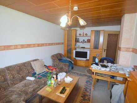 3 Zimmer Wohnung mit viel Potenzial in guter Lage in Marbach zu verkaufen!