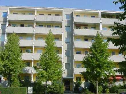 günstige 3-Raum-Wohnung mit ZMV bis 2025
