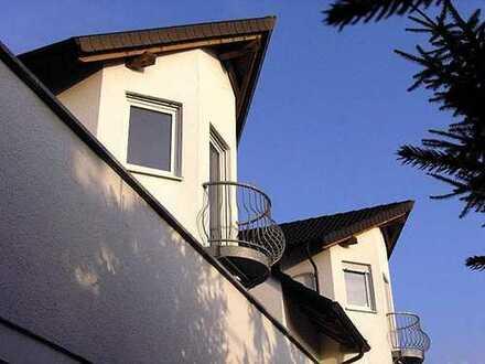 Doppelhaushälfte der besonderen Art - 260 qm Wohnfläche