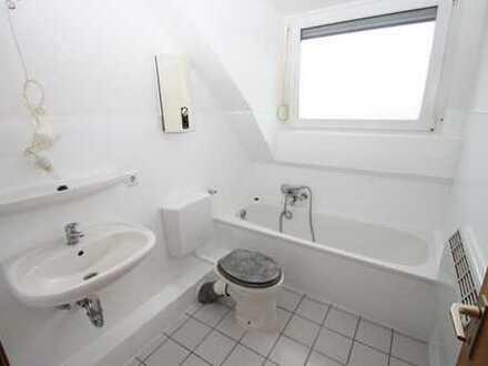 Schöne 3 Zimmerwohnung mit Loggia, Garage in MG-Venn !!!