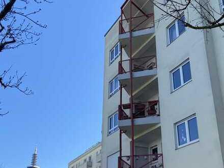 NEU * Gepflegte moderne 4-Zimmer-Wohnung*EBK* G-WC*Aufzug*Balkon* mit VIDEO