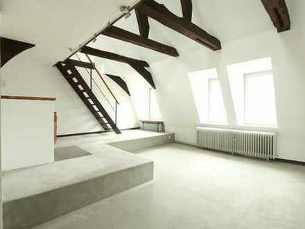 Großzügig wohnen in saniertem Baudenkmal, mitten im schönen Detmold.