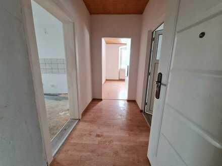 Erstbezug nach Sanierung: Schöne Erdgeschoss-Wohnung in Feilitzsch!