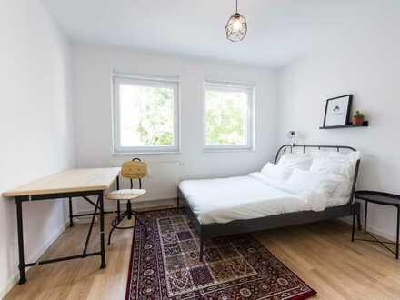 Möbliertes Zimmer in renovierter 2-Zimmer Wohnung nähe Ostkreuz