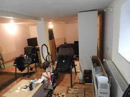 Gepflegte Studenten / WE-Pendler 1-Zimmer-Wohnung mit EBK in Friedberg