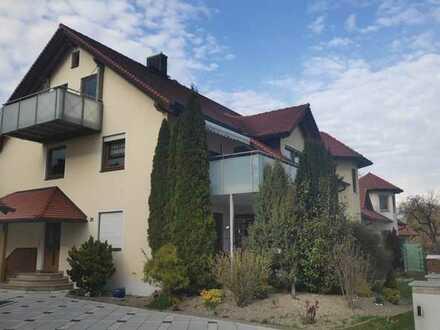 Gepflegte 3-Zimmer-Dachgeschosswohnung mit Balkon und Einbauküche in Neuburg an der Donau