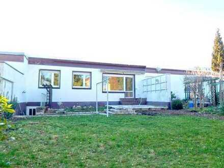 Modernes, voll unterkellertes Reihenmittelhaus mit Terrasse - Garten - Garage in ruhiger Lage in BZ
