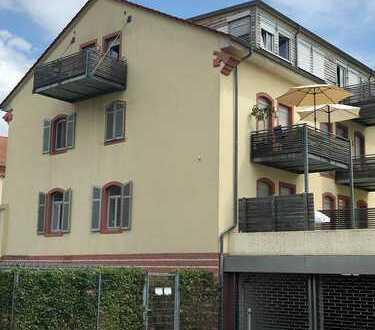 Charmante 3 Zimmer DG Wohnung mit Charme und Stil in Rastatt !