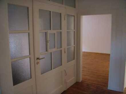 Großzügige 3-Zimmer-Küche-Duschbad-Wohnung mit Balkon in Idar-Oberstein