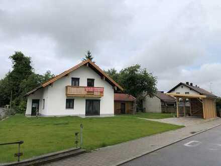 Erstbezug nach Sanierung: attraktives Haus in Massing