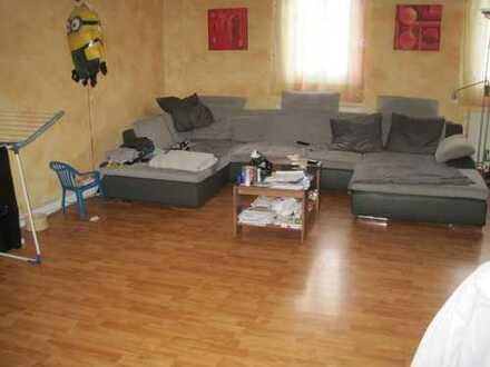 Liebevolle Fachwerkhauswohnung, ideal für Handwerker, 1-2 Wohnungen möglich, ca. 249 m² Wohn-Nutzfl.