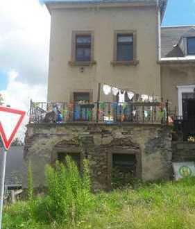 Mehrfamilienhaus mit Gewerbeeinheit in Sehmatal zu verkaufen
