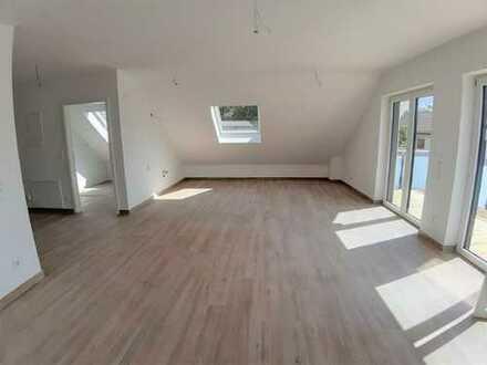 ARNOLD-IMMOBILIEN: Chic, modern, neu..... Ihre Traumwohnung mit 2 Balkonen wartet auf Sie