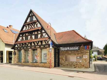 Liebhaberobjekt! Denkmalsgeschützes Geschäftshaus im Ortskern von Rettigheim