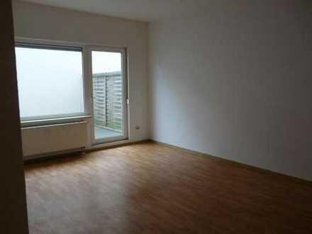 2 Raum, offene Küche und große Terrasse