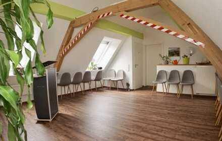 Neuwertiges und hochwertiges Wohn- und Geschäftshaus
