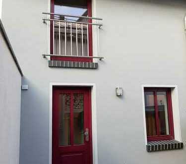 Exklusive 1- Raum- Wohnung in separatem Haus
