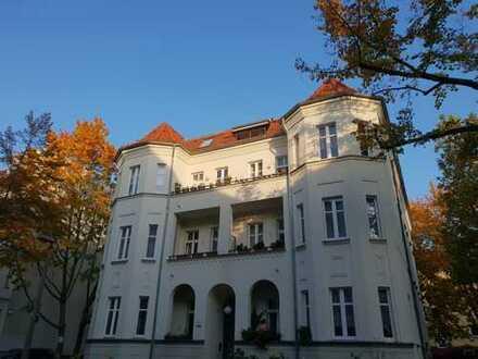 Sanierte 2-Zimmer-Altbauwohnung mit Balkon im schönen Wilhelmsruh - bezugsfrei