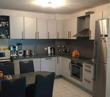 Sanierte 3-Raum-Wohnung mit Balkon und Einbauküche in Alsbach-Hähnlein