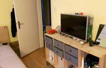 Möbliertes Zimmer 10qm 4er WG zur Zwischenmiete
