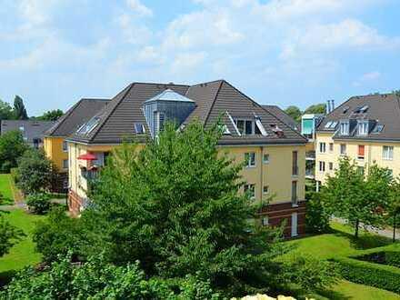 Erbpachtbasis: WOHN(T)raum im Rheinpalais Benrath. Nach Wunsch saniert
