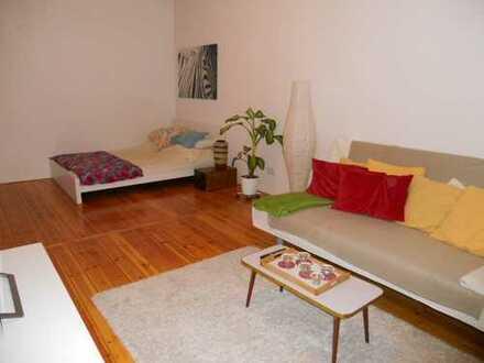 Bild_geräumiges Apartment mit Dielenboden und EBK