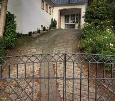 Möbl. stilvolle 2 Zi. Wohnung mit Gartennutzung im Bochumer Süden