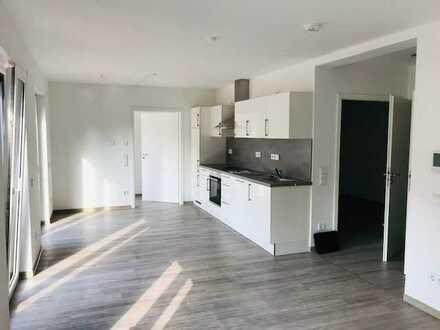 Neuwertige 2-Raum-EG-Wohnung mit Abstellraum, Terrasse und Einbauküche in Bad Sobernheim