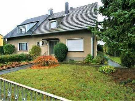 Attraktive DHH mit schönem Garten und viel Potenzial für eigene Gestaltung in Porz-Urbach