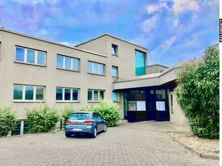 Gewerbeanwesen (zur Miete) mit 12 Garagen + Werkstatt mit Grube (Sinsheim)