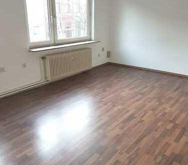 Großzügige, helle Wohnung mit Balkon und EBK in beliebter Lage