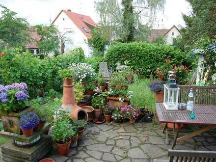 Zimmer mit eigenem Bad - Haus mit kleinem Garten in Degerloch
