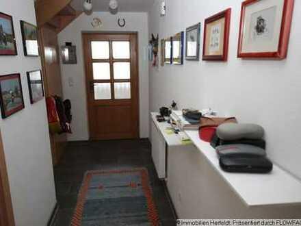 Gemütliches Einfamilienhaus mit Carport und EBK - renoviert und modernisiert!