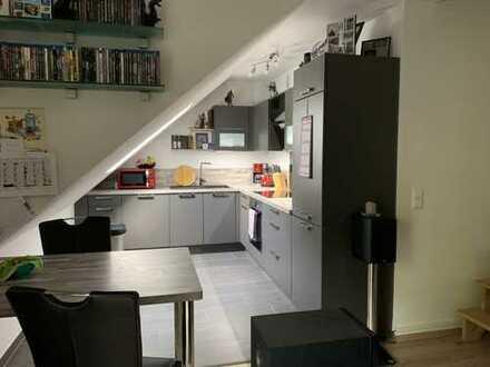 Neuwertige 4-Zimmer-Wohnung mit Balkon in Hatten - nahe Henning-von-Tresckow-Kaserne