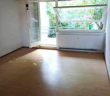1-Zi., Küche, Bad, Flur, Terrasse in Ulm-Weststadt