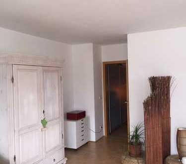 890 €, 77 m², 2 Zimmer