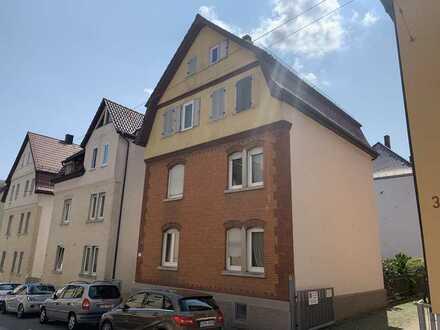 Ein Haus, unzählige Möglichkeiten - Wandelbares 3-Familienhaus (freistehend) in S-Zuffenhausen