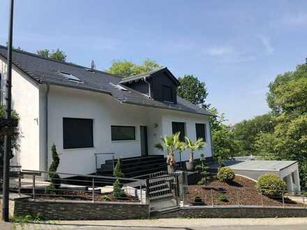 Haus im Haus Erdgeschosswohnung mit Garten in neuwertiger Villa im Johanniswald