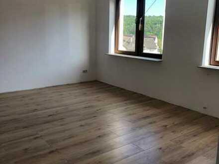 Erstbezug nach Sanierung: ansprechende 3-Zimmer-Wohnung mit gehobener Innenausstattung in Pforzheim