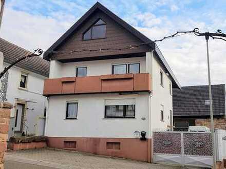 Vielseitige Immobilie - Wohnhaus mit Nebengebäude