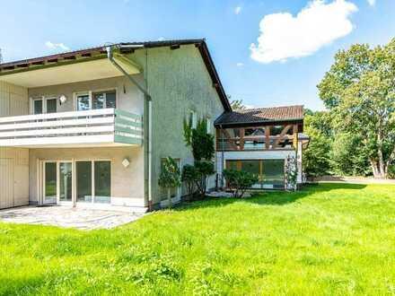 Hanau: Direkt am Wilhelmsbader Park - Charmantes Reihenendhaus mit tollem Grundstück in bester Lage
