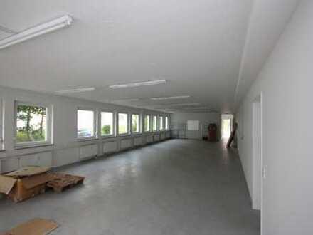 Lagerfläche mit Büros in Dachau zu vermieten