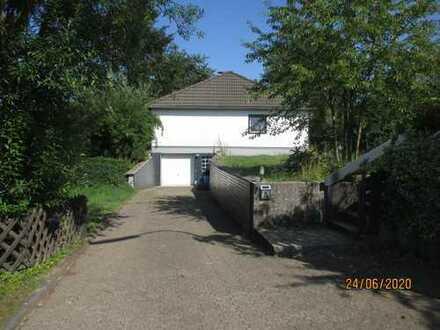 Freundliches und saniertes 3-Zimmer-Einfamilienhaus zur Miete in Overath, Overath