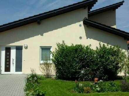 Neuwertiger Bungalow mit vier Zimmern und EBK in Kirchberg (Hunsrück), Kirchberg (Hunsrück)