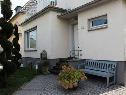 Top renoviertes Einfamilienhaus im Bad Godesberger Villenviertel!