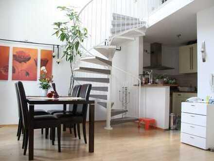 Moderne helle 2 ZKB Maisonette-Wohnung in schöner Wohnanlage