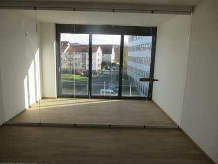 Lichtdurchflutete 3-Zimmer-Wohnung in Gomaringen mit schöner EBK und Loggia