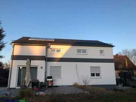 Massiv- Haus mit ELW in Augsburg, Bärenkeller, Nähe Uni-Klinik, optimal für Pendler 3min A8