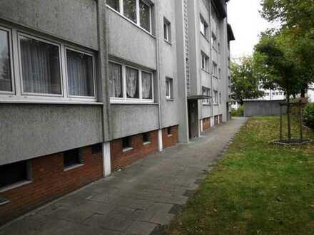 IMMOKONZEPT-NIEDERRHEIN: ERSTBEZUG NACH SANIERUNG---1. Etage, kleiner Balkon, Ruhig, Zentrumsnah....